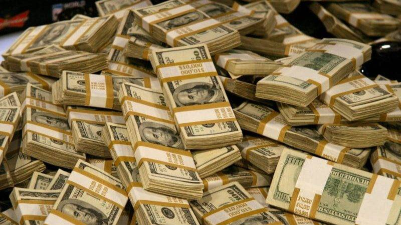 skolko-vesit-million-rublej-5000-kupyurami2-1.jpg