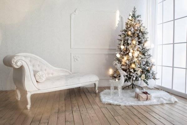 depositphotos_87424200-stock-photo-christmas-tree-with-presents-underneath.jpg