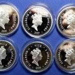 Nabor-iz-12-monet-2-dollara-2009-god-12-dnej-Rozhdestva-Niue-SEREBRO-925-VES-25-GR.5-150x150.jpg